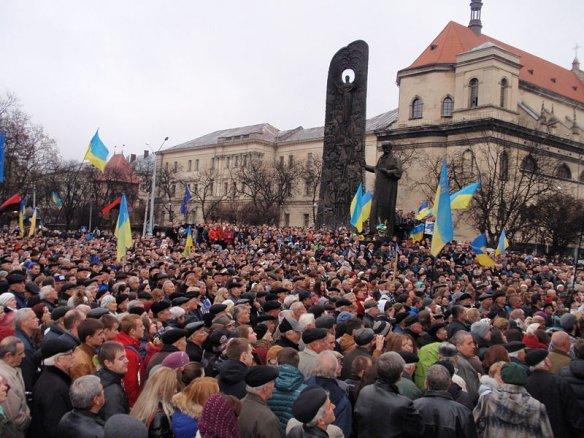 Euromaidan_in_Lviv_(24.11.2013)_11