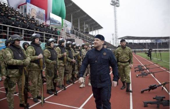 Chechen para-military forces swear loyalty to Ramzan Kadyrov.