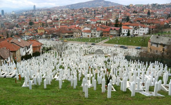 Martyrs' memorial cemetery Kovači in Sarajevo. Photo: Michael Büker